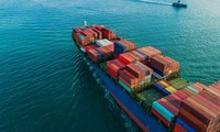 Trade surplus sets new record of more than 18 billion USD