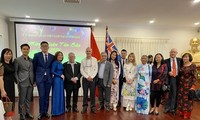 Diplomatic agencies celebrate Tet with OVs