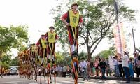 Belgium stilt walking artists ready to join Hue Festival 2022