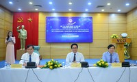 Journalists, businesses enhance cooperation