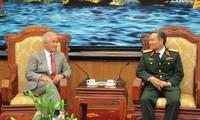 Thượng Nghị sĩ  Hoa Kỳ Bob Corker thăm và làm việc tại Việt Nam