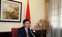 Phó Thủ tướng, Bộ trưởng Ngoại giao  điện đàm với Ủy viên Quốc vụ Trung Quốc và Ngoại trưởng Mỹ