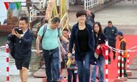 """Quảng Ninh: Đón 2.500 khách du lịch tàu Costa Victoria """"xông đất"""""""