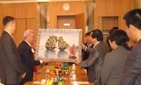 Đại sứ Việt Nam tại Liên bang Nga làm việc với Ban lãnh đạo Trung tâm Thương mại Moscow