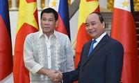 Thủ tướng Nguyễn Xuân Phúc tiếp Tổng thống nước Cộng hòa Philippines Rodrigo Duterte