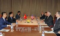 Phó Thủ tướng, Bộ trưởng Phạm Bình Minh gặp Ngoại trưởng Hoa Kỳ Rex Tillerson