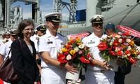 Hai tàu Hải quân Canada thăm hữu nghị Việt Nam