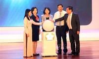 Phó Chủ tịch nước Đặng Thị Ngọc Thịnh dự Ngày hội Sữa học đường cho trẻ em tại Đà Nẵng