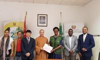 Giáo hội Phật giáo Việt Nam trao tặng người dân Mozambique 100 tấn gạo