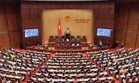Quốc hội thông qua một số dự án Luật;  tiến hành công tác nhân sự