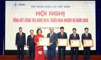 Thủ tướng Nguyễn Xuân Phúc dự hội nghị tổng kết EVN