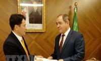 Tổng thống Algeria đánh giá cao những thành tựu của Việt Nam trong công cuộc phát triển đất nước