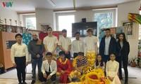 Ngày văn hoá Việt Nam dành cho các học sinh tại trường phổ thông tại Plzeň – CH Czech