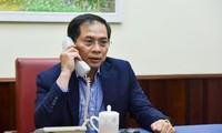 Thứ trưởng thường trực Bộ Ngoại giao Bùi Thanh Sơn điện đàm với Lãnh đạo Bộ Ngoại giao các nước
