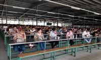 Không để dịch bệnh COVID-19 lây lan trong công nhân lao động