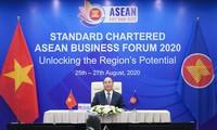 Thủ tướng Nguyễn Xuân Phúc dự Diễn đàn Kinh doanh ASEAN Standard Chartered 2020