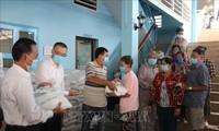 Khởi động đợt 4 Chương trình Hỗ trợ khẩn cấp cho người gốc Việt tại Campuchia gặp khó khăn do dịch COVID-19