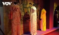 Phụ nữ Việt Nam ở nước ngoài tôn vinh vẻ đẹp Việt qua áo dài