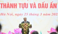 Thủ tướng Nguyễn Xuân Phúc: Chính phủ cống hiến hết sức phục vụ đất nước, nhân dân