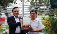 Người Việt ở nước ngoài với sự phát triển của quê hương