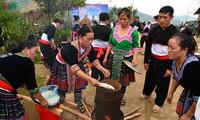 Bánh giầy trong đời sống đồng bào Mông Tây Bắc