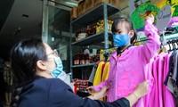 Siêu thị Hạnh Phúc mở cửa bán đồng giá 0 đồng giúp người dân có hoàn cảnh khó khăn