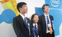 Alumnos vietnamitas se destacan en competencia científica internacional