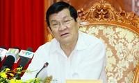 Verifica el dignatario nacional la construcción partidista en Hanoi