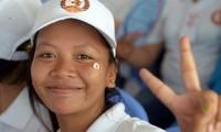 Felicita premier vietnamita a su homólogo camboyano