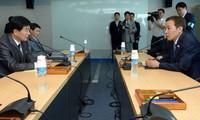 Pyongyang acepta negociar con Seúl reunión de familias separadas por guerra