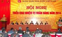 Primer ministro vietnamita orienta tareas clave de la banca en 2014