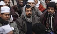 Alcalde de Nueva Delhi suspende protestas tras choques con la policía