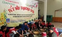Llevan Cruz Roja de Vietnam regalos del Tet a personas necesitadas