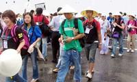 Miles de visitantes extranjeros en Vietnam en primeros días lunares