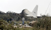 Siguen buscando caja negra del avión que se estrelló en Argelia