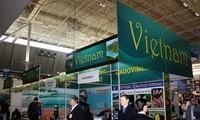 Vietnam exhorta a coherencia empresarial en productos acuíferos