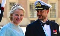 Príncipes de Noruega visitan Vietnam