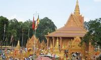 Celebran jemeres vietnamitas Festival tradicional de Chol Chnam Thmay 2014