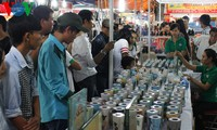 Inaugurada la Feria- Exposición de Comercio de Dong Nam Bo en saludo a grandes efemérides