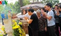 Decenas de miles de personas visitan la tumba del general Vo Nguyen Giap
