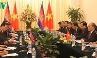Vietnam y Cambodia fortalecen cooperación multifacética