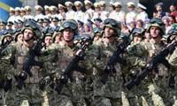 Ucrania celebra Día de la Independencia en medio del conflicto interno