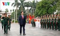 Urge primer ministro de Vietnam reforzar preparación para defensa