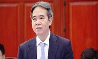 Diputados vietnamitas interrogan al gobernador del Banco Estatal