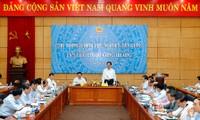 Primer Ministro vietnamita orienta tareas del Ministerio de Industria y Comercio