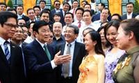 Empresarios vietnamitas progresan con el desarrollo nacional