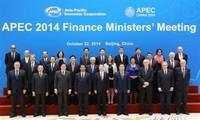 Vietnam aporta activamente a conferencia 21 de ministros de Finanzas de APEC