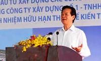 Premier vietnamita exhorta a construcción de hospitales Ciudad Ho Chi Minh