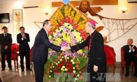 Vietnam refuerza unidad religiosa