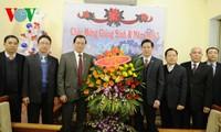Frente patriótico de Vietnam felicita comunidad evangélica por Navidad